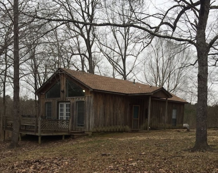 Ole Miss Secluded Cabins