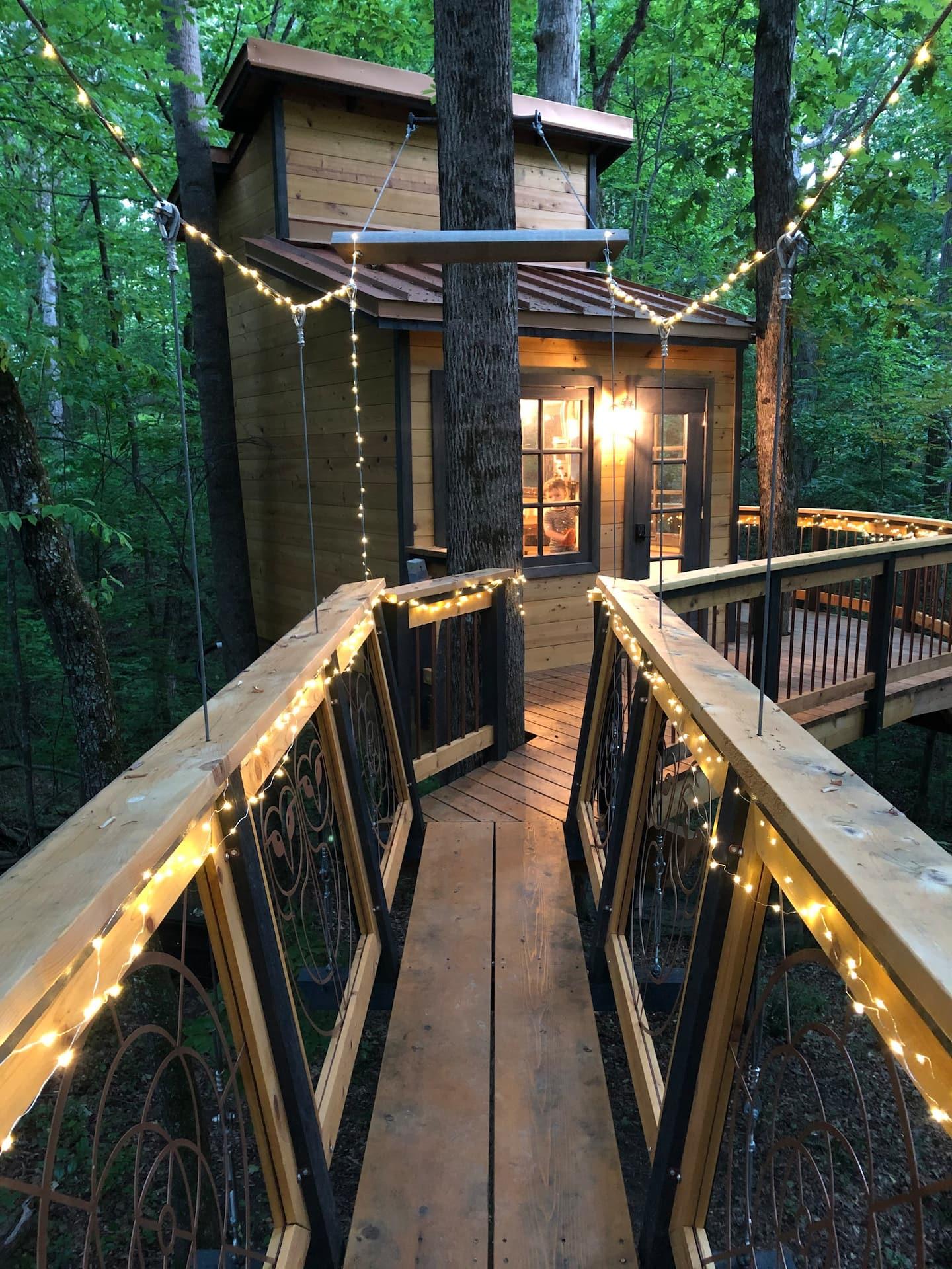 Owl in the Oak Treehouse Georgia Airbnb