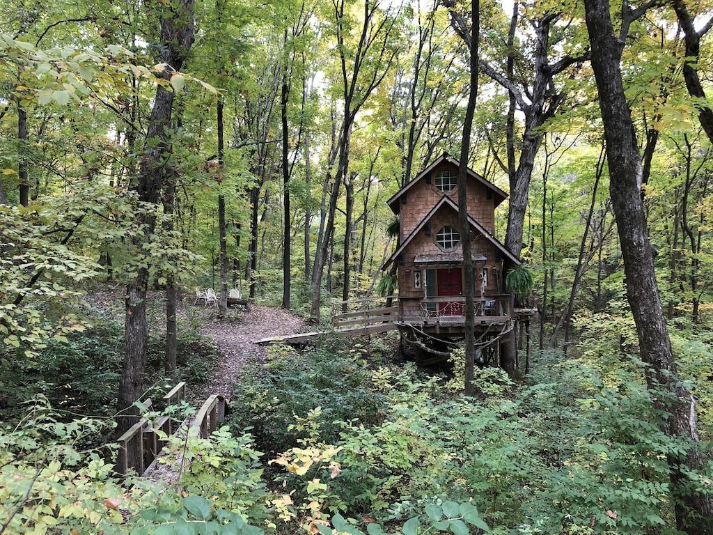 Ten Acre Treehouse Rental Indiana