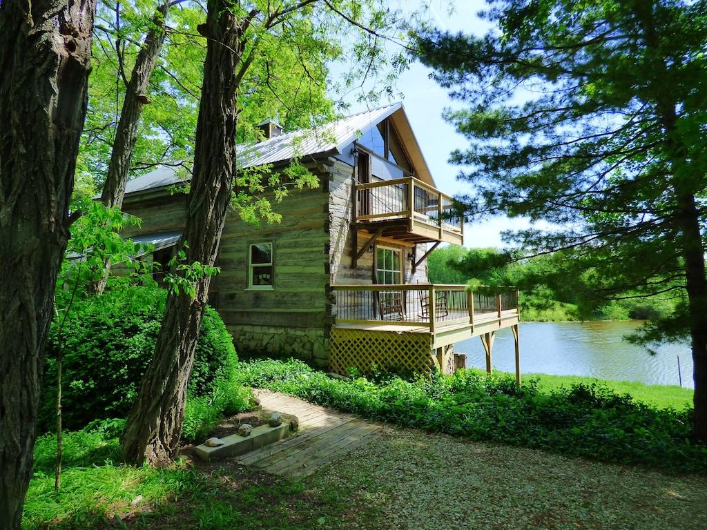 Treehouse Rental near Indianapolis