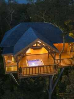 Luxury Treehouse Rentals in France