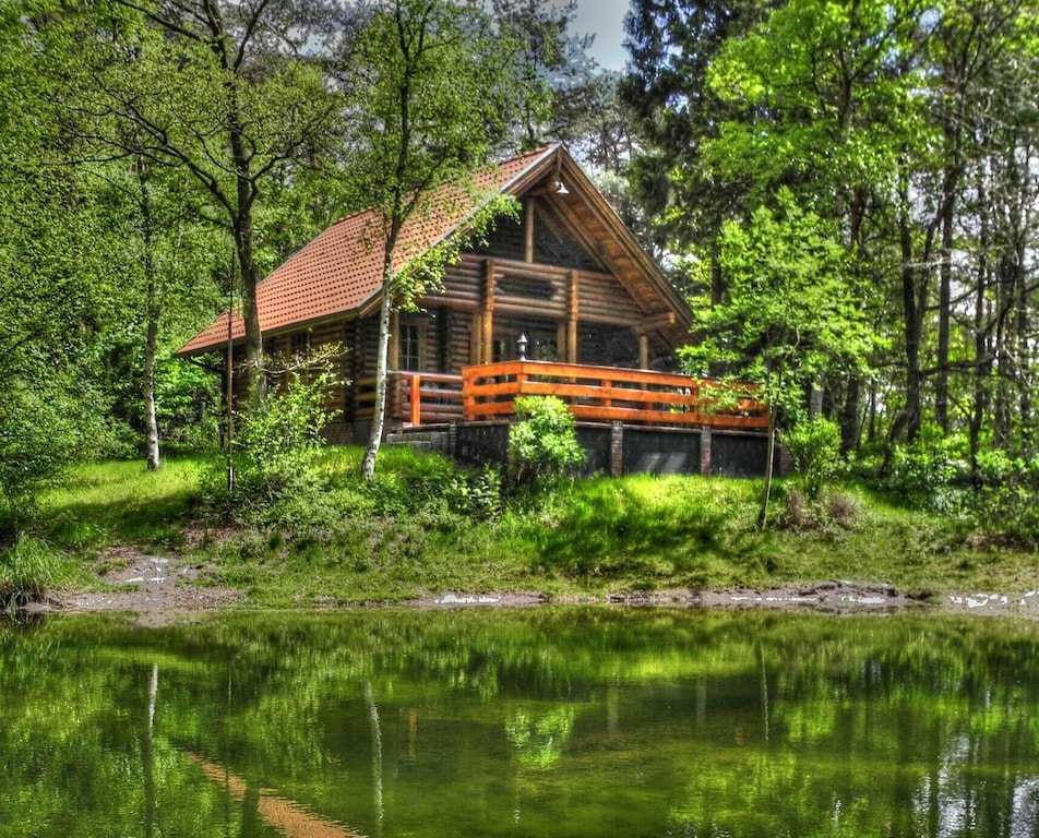 Treehouse Rentals in Germany lakefront