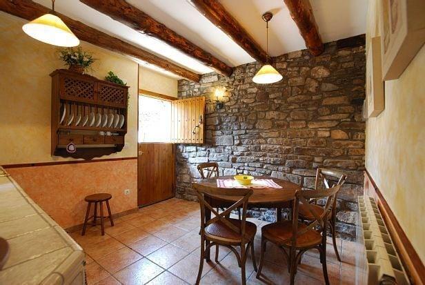 Treehouse Rentals in Spain near Ordesa National Park