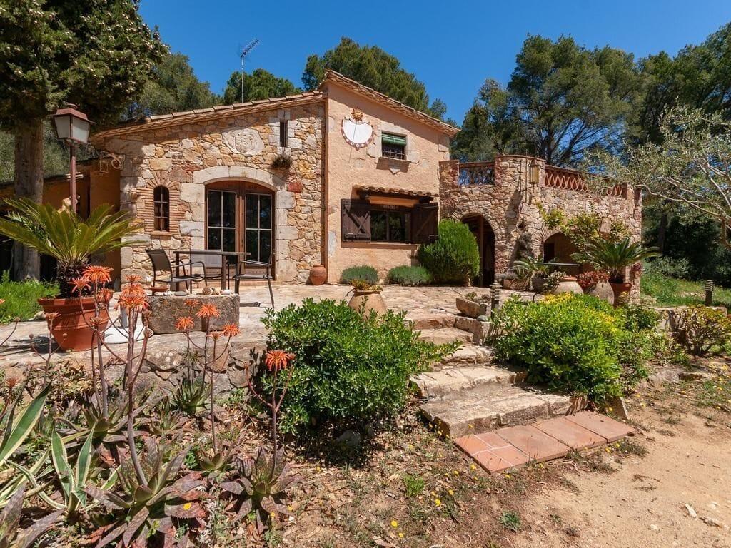 Treehouse Rentals in Spain near the beach Costa Brava