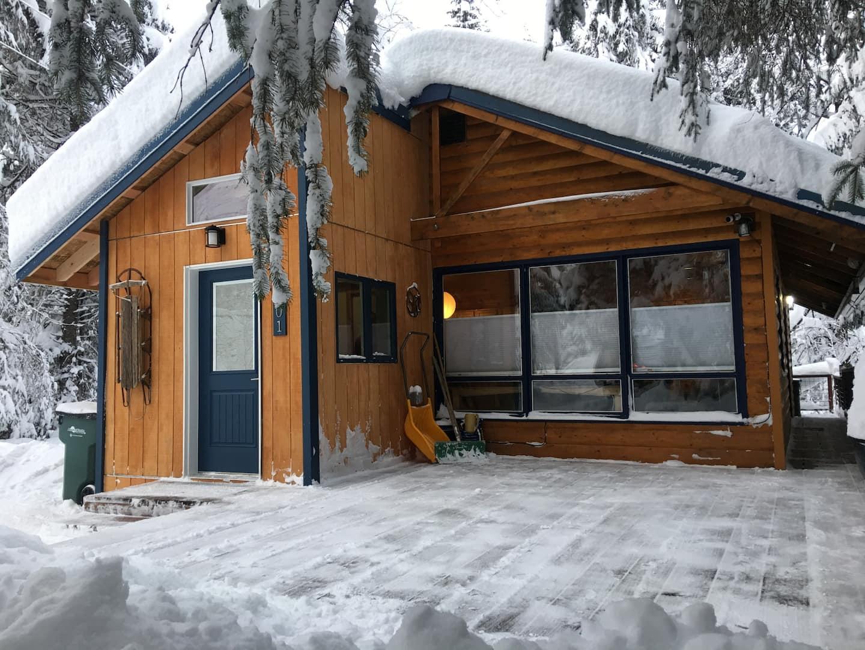 Alaska Log Cabin SecludedAlaska Log Cabin Secluded