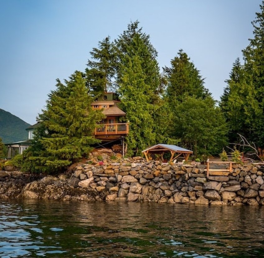 Custom Built Waterfront Luxury Tree House