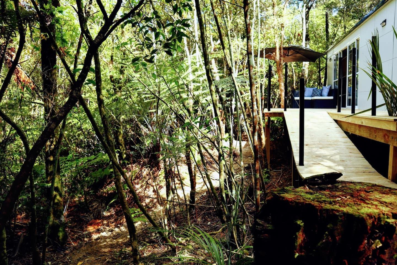 Tui Bush Chalet New Zealand