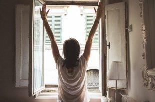 window waking