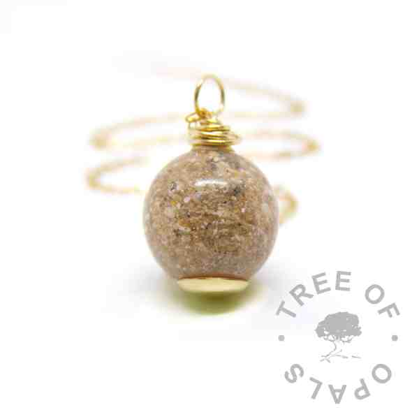solid gold cremation ash pearl, classic clear resin, necklace setting