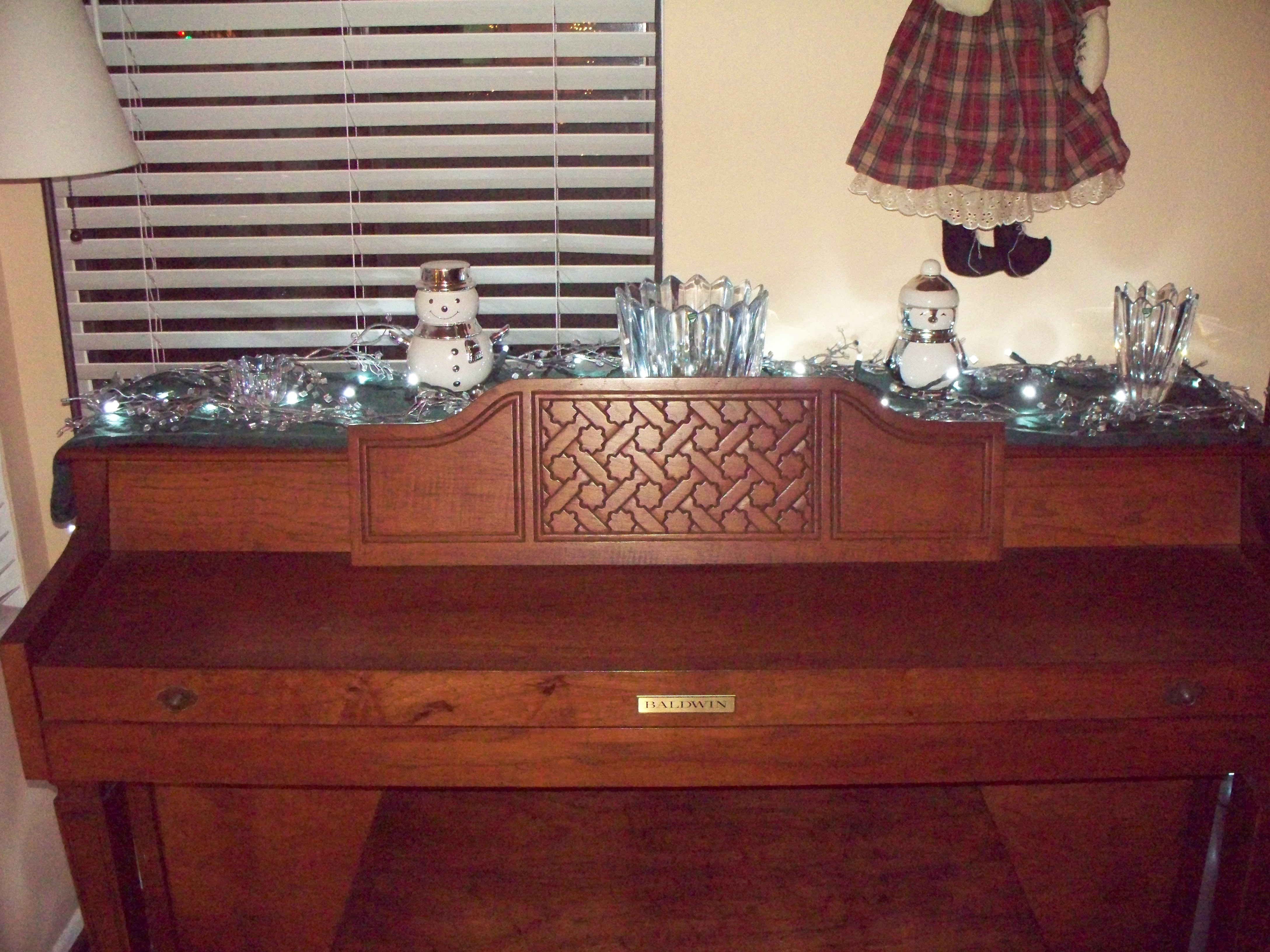 Winter theme on the piano