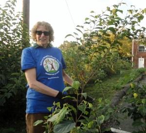 Neighbor Woods volunteer