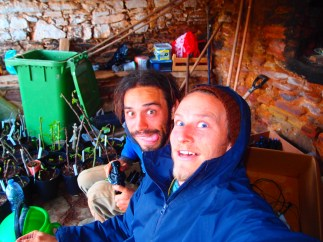 irrigation-crew-doug-and-karsten-going-mad-at-heredade-de-lage