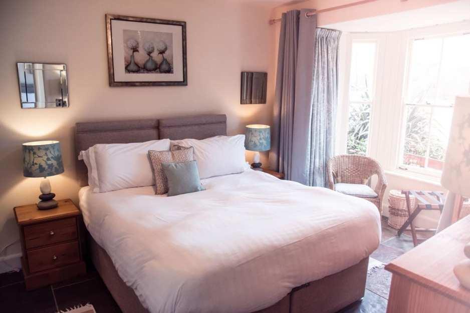 Coombe Villa Bedroom 2