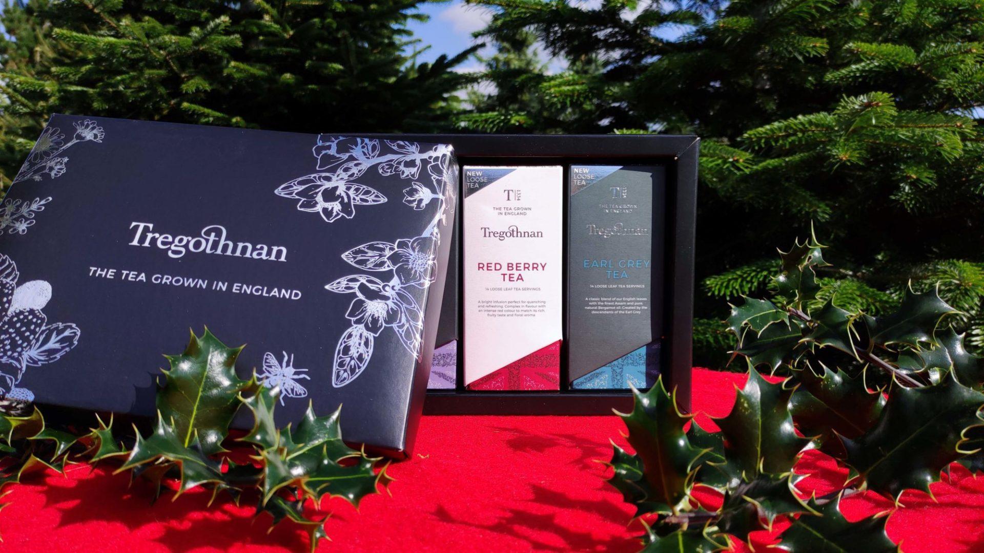 Loose Tea Gift Set on a Christmas gardens