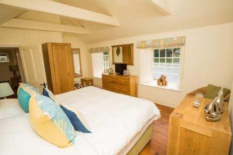 Penjerrick Cottage Bedroom 2