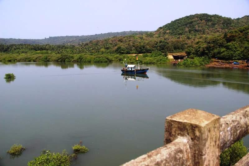 Kadyawarcha Ganapati roadside