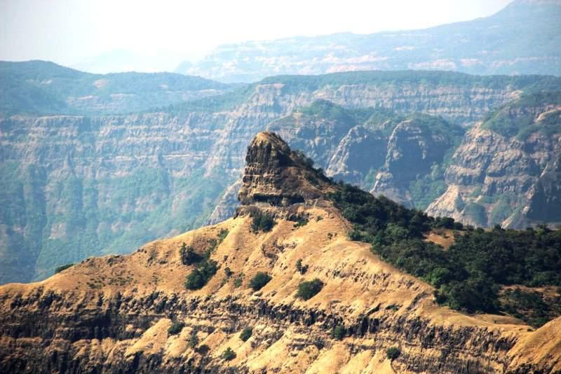 railing of Nageshwar vasota