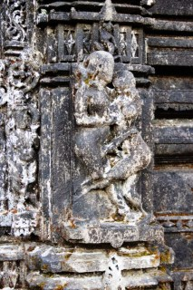 Amruteshwar Temple, exterior carvings
