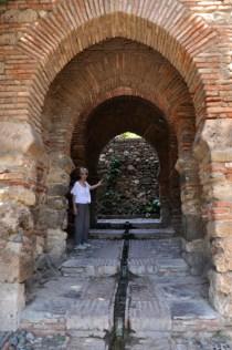 Entrance through the palace walls