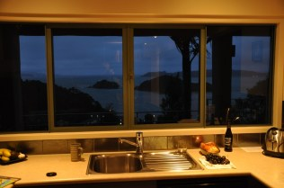 Bay of Islands, Kitchen