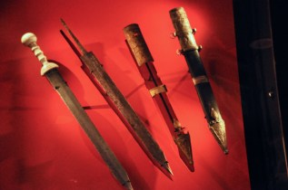 Real Roman swords
