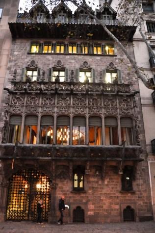 Palau del Baro de Quadras by Puig/Cadafalch in 1904