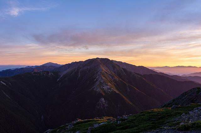夜明けの赤石岳