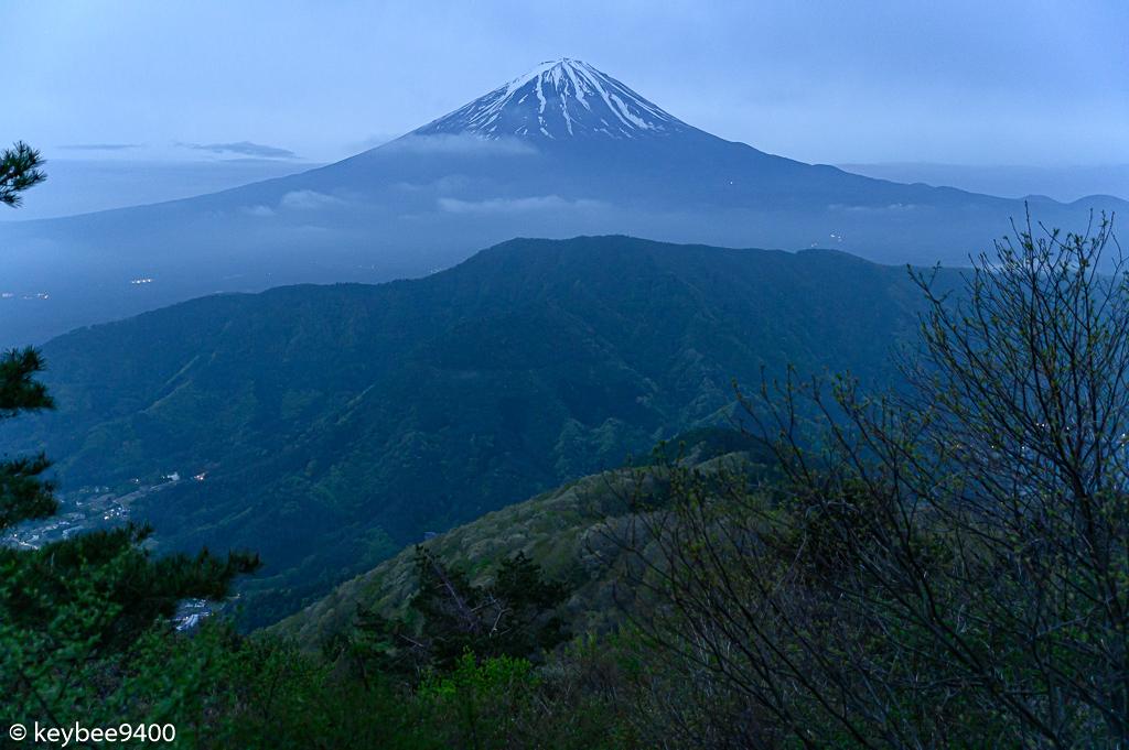 毛無山山頂下からの富士山