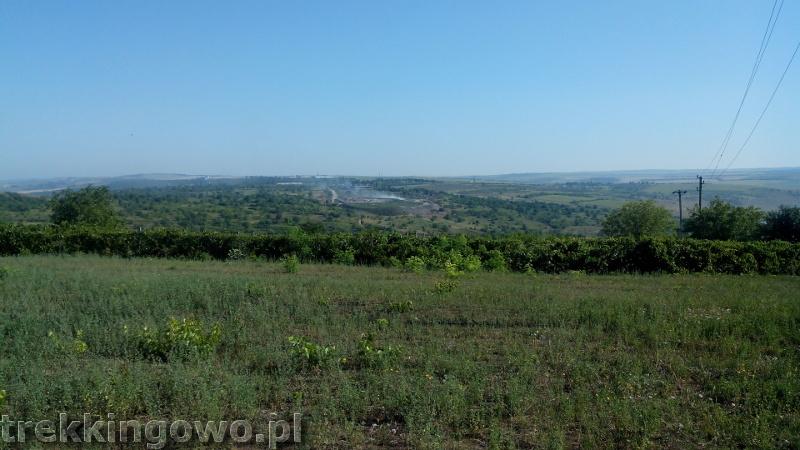 Mołdawia - Dzień 6 poranek wypalanie szerszy kadr trekkingowo