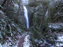 Another waterfall along the trail.