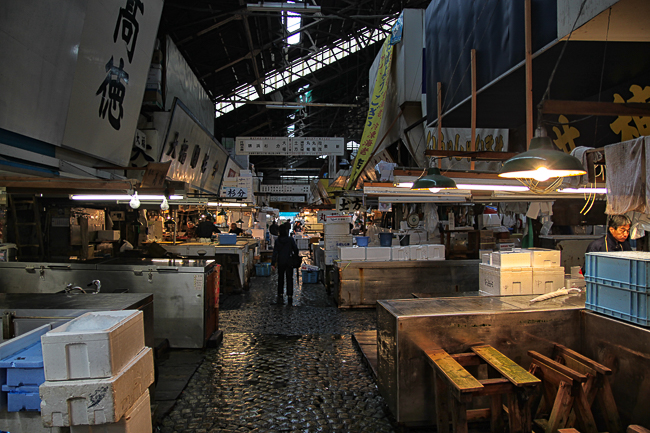 I saw a practically empty market as I was late in getting to Tsukiji