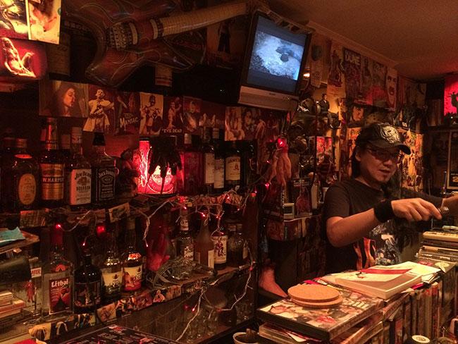 Inside a Bar in Golden Gai (Scott Edmunds / Flickr)