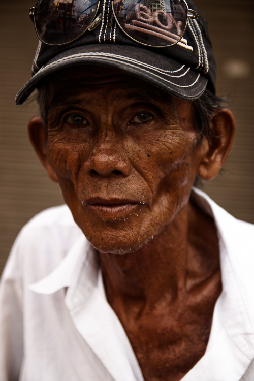 We meet an old man in Cholon