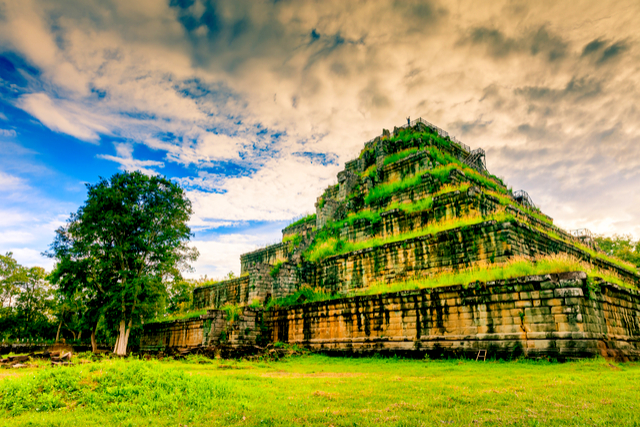 2 Koh Ker Cambodia - By Cocos.Bounty.jpg
