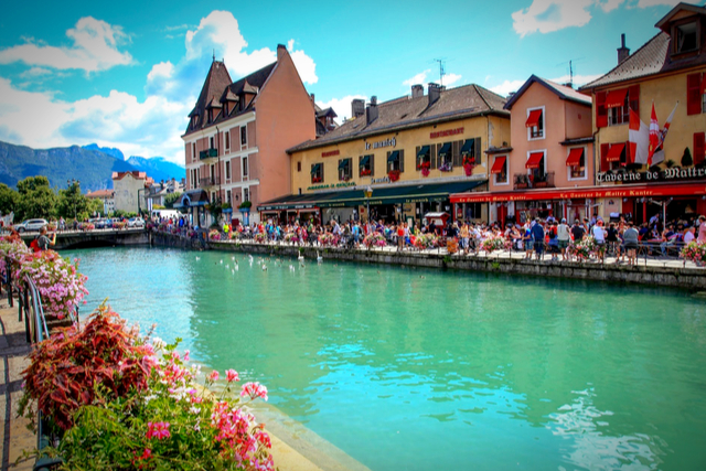 Annecy - By YouTube.jpg