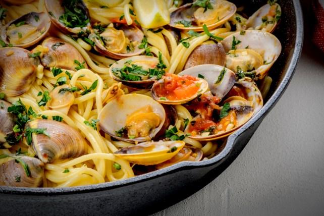 Spaghetti alle Vongole By homydesign-Shutterstock.jpg