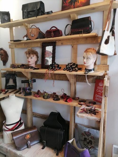 boutique_dan_cuir2.jpg