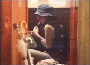 松岡茉侑たばこ 女優・松岡茉優「重度の反抗期時代に母親から人生で一番怒られた時の話」(菊池 陽子)