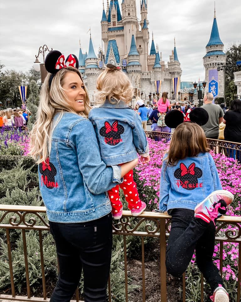 How to plan family outfits for Disney World - The Samantha Show- A Cleveland Life + Style Blog