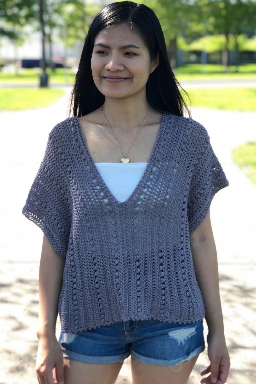 Crochet V neck summer blouse - KnitcroAddict