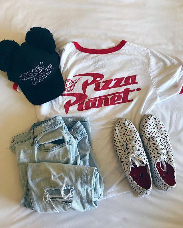 Disney Logo Leopard Fill Womens T-Shirt
