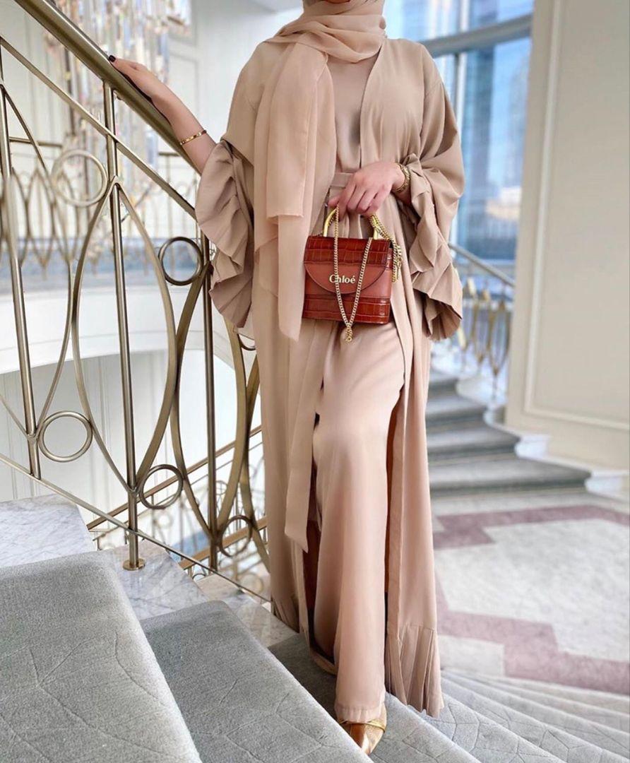 Modern And Elegant Dubai Style Abaya Inspiration