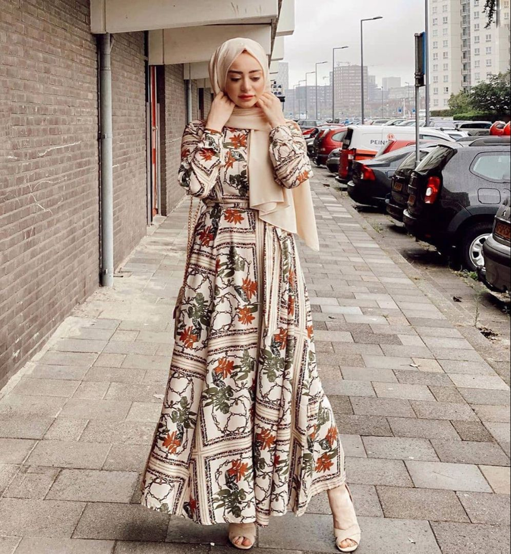 Beautiful Long Dresses To Be Inspired By