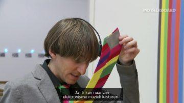 Neil Harbisson in het Stedelijk