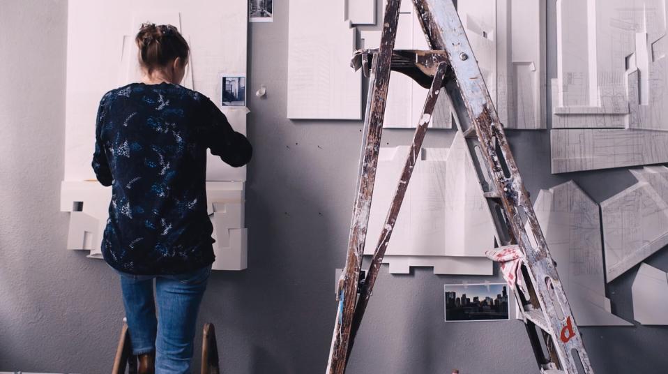 Marissa Evers in het atelier