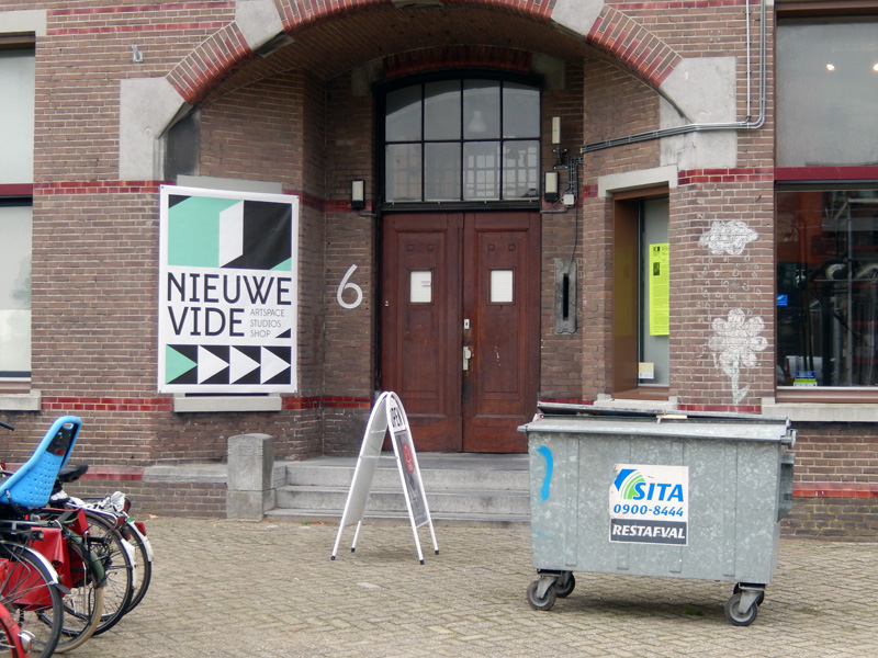 The hills are alive with the sound of muzak @ Nieuwe Vide