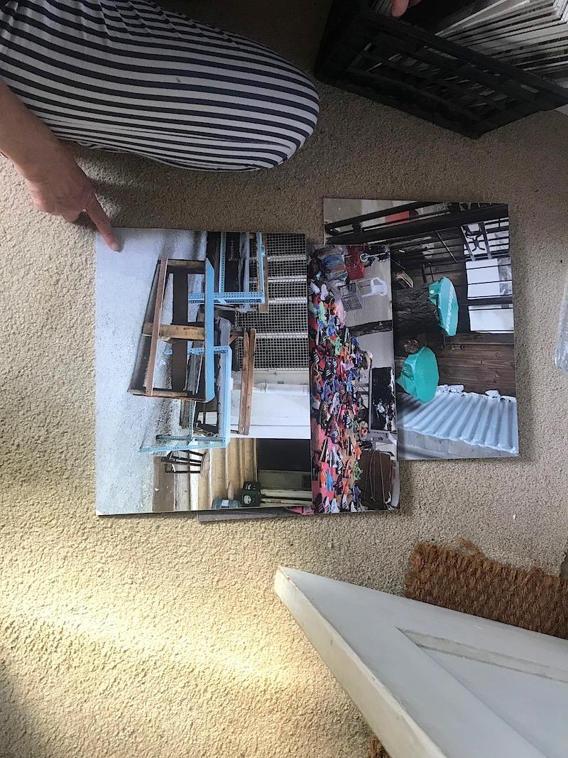 13 Foto's gemaakt door Su. De blauwe bankjes op de foto zijn speciaal voor op een schuineberg gemaakt.