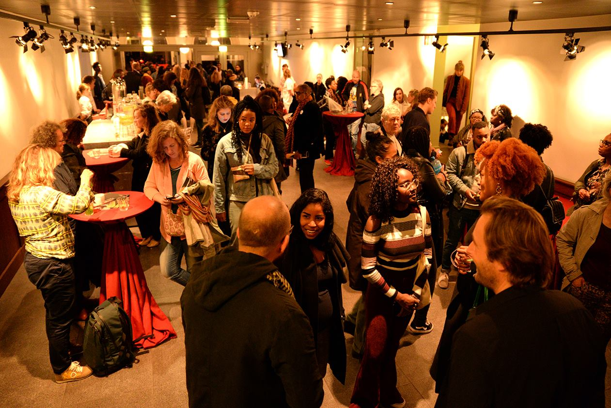 Welkom in Holland, Rode Hoed: Skindeep #8 – Zwarte Kunst