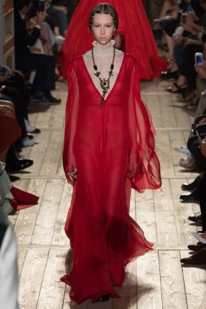 VALENTINO058fw16-couture-tc-772016