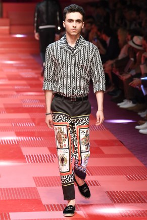 Dolce and Gabbana65-mensss18-61517